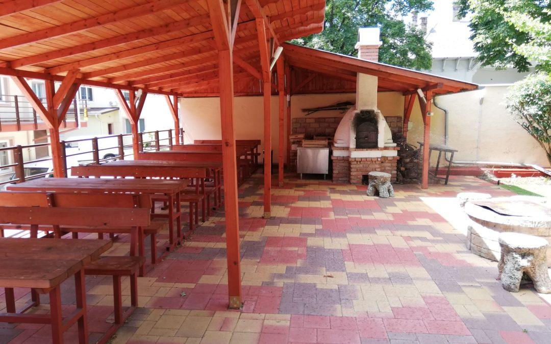Bográcsozó hely, belső udvar